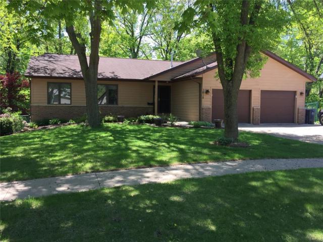 1815 Hidden Hollow Lane NW, Cedar Rapids, IA 52405 (MLS #1803321) :: WHY USA Eastern Iowa Realty
