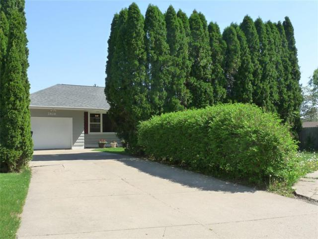 2828 Hillhaven Court SE, Cedar Rapids, IA 52403 (MLS #1803398) :: WHY USA Eastern Iowa Realty