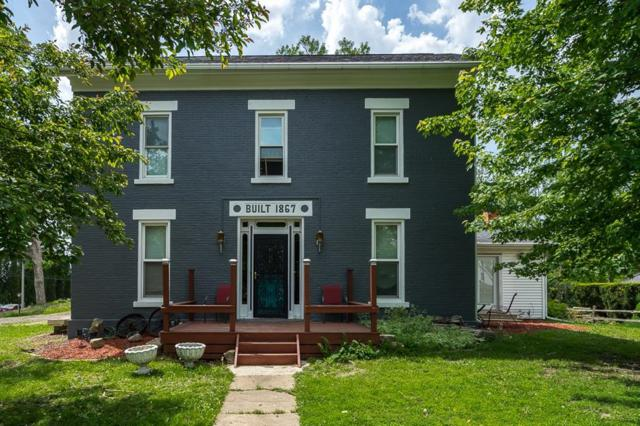 300 N Ford Street, Anamosa, IA 52205 (MLS #1803692) :: The Graf Home Selling Team