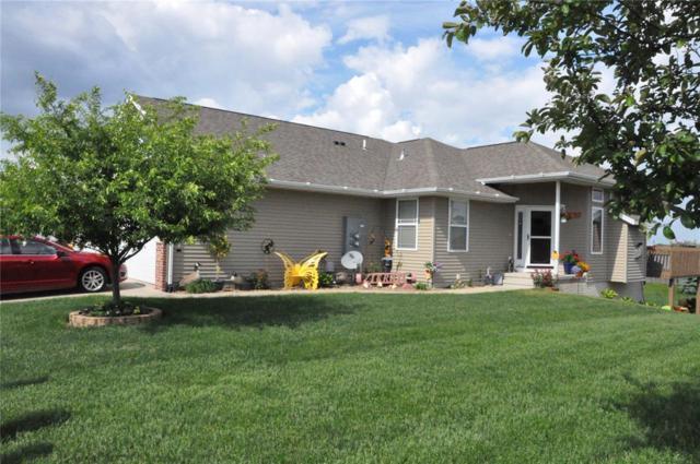 4118 31st Avenue SW A, Cedar Rapids, IA 52404 (MLS #1803802) :: WHY USA Eastern Iowa Realty