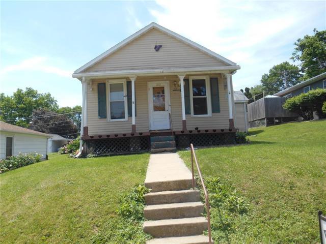 212 N Ford Street, Anamosa, IA 52205 (MLS #1803918) :: The Graf Home Selling Team