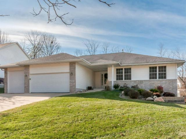 1814 Aaron Drive NW, Cedar Rapids, IA 52405 (MLS #1804149) :: The Graf Home Selling Team