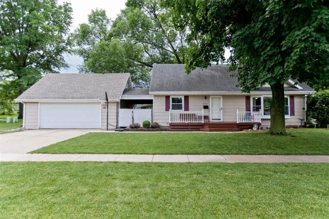 5121 1st Avenue SW, Cedar Rapids, IA 52404 (MLS #1804354) :: WHY USA Eastern Iowa Realty