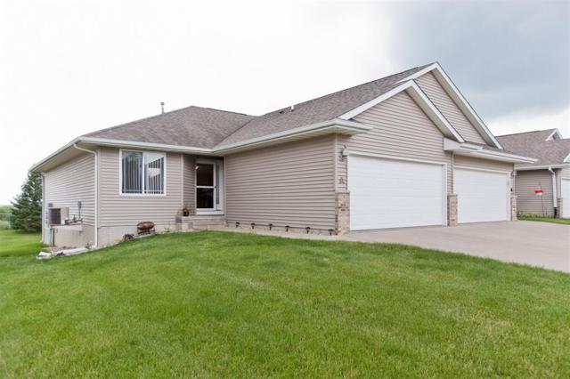 3925 37th Avenue SW A, Cedar Rapids, IA 52404 (MLS #1804377) :: WHY USA Eastern Iowa Realty