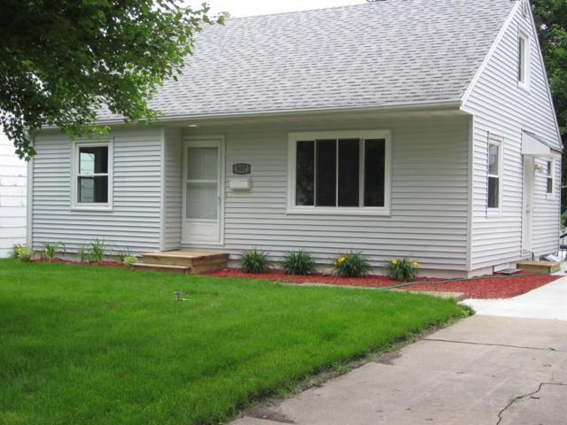 937 20th Street, Marion, IA 52302 (MLS #1804389) :: WHY USA Eastern Iowa Realty