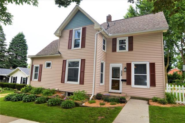 208 3rd Avenue N, Mt Vernon, IA 52314 (MLS #1804623) :: WHY USA Eastern Iowa Realty