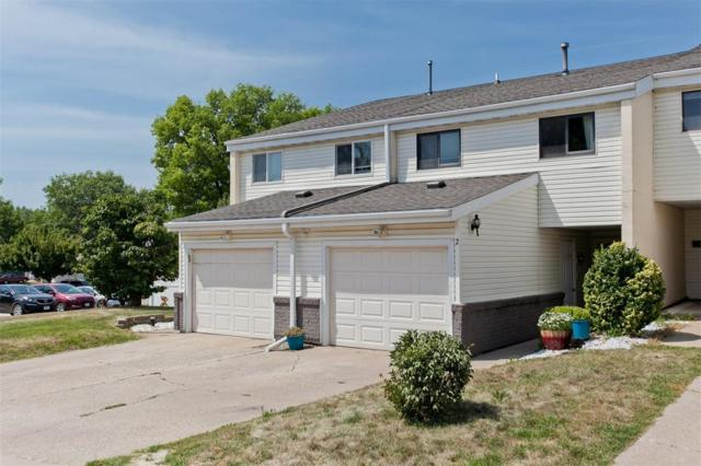 51 29th Ave Drive SW #2, Cedar Rapids, IA 52404 (MLS #1804986) :: The Graf Home Selling Team