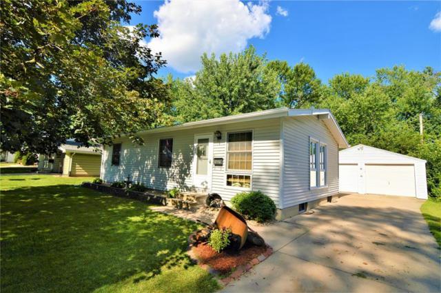2447 Lauren Drive SW, Cedar Rapids, IA 52404 (MLS #1805047) :: The Graf Home Selling Team