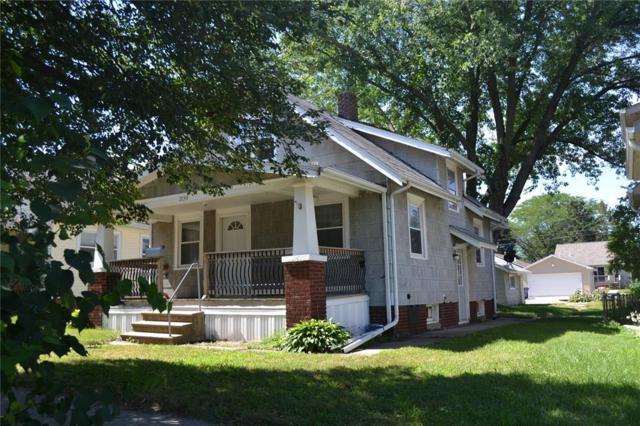 2134 C Street SW, Cedar Rapids, IA 52404 (MLS #1805071) :: The Graf Home Selling Team