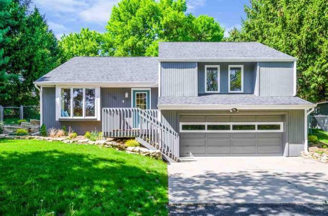 2748 Lake View Drive NE, Solon, IA 52333 (MLS #1805618) :: The Graf Home Selling Team