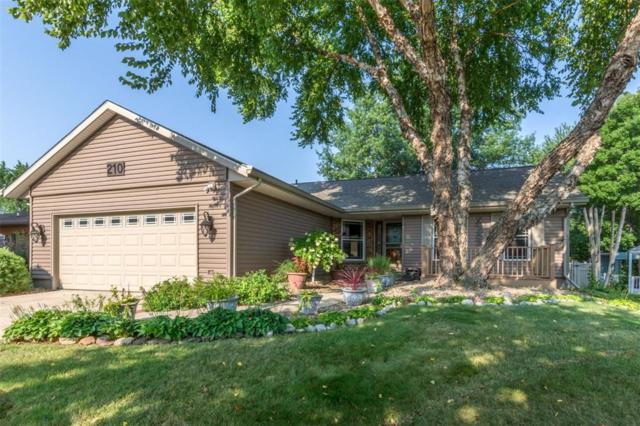 210 Stone Hedge Drive NW, Cedar Rapids, IA 52405 (MLS #1805708) :: The Graf Home Selling Team