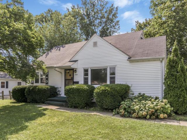 2125 Johnson Avenue NW, Cedar Rapids, IA 52405 (MLS #1805716) :: WHY USA Eastern Iowa Realty