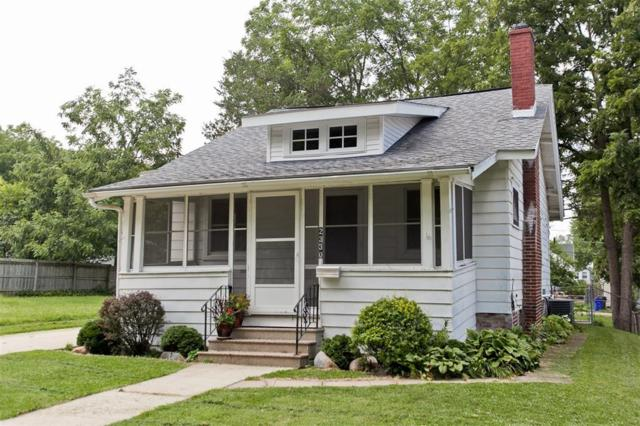 2330 B Avenue NE, Cedar Rapids, IA 52402 (MLS #1805728) :: WHY USA Eastern Iowa Realty