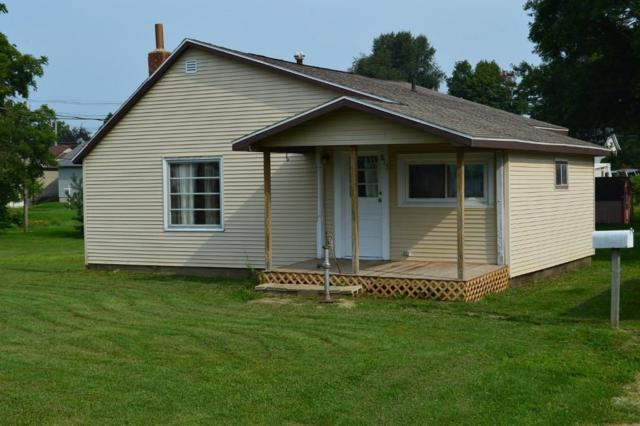 813 3rd Street E, Vinton, IA 52349 (MLS #1805758) :: WHY USA Eastern Iowa Realty