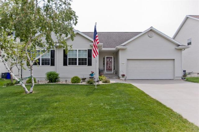 7319 Sandhurst Drive NW, Cedar Rapids, IA 52405 (MLS #1805777) :: The Graf Home Selling Team