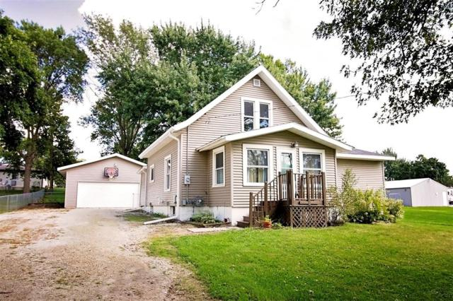 720 Park Avenue, Center Point, IA 52213 (MLS #1806552) :: The Graf Home Selling Team