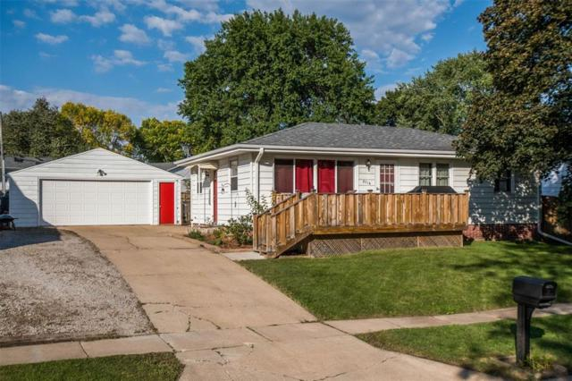2716 Primrose Lane SW, Cedar Rapids, IA 52404 (MLS #1806649) :: The Graf Home Selling Team