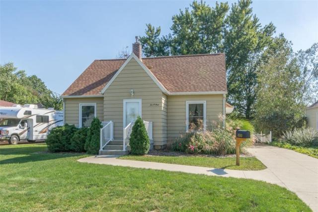 503 37th Street NE, Cedar Rapids, IA 52402 (MLS #1806667) :: The Graf Home Selling Team