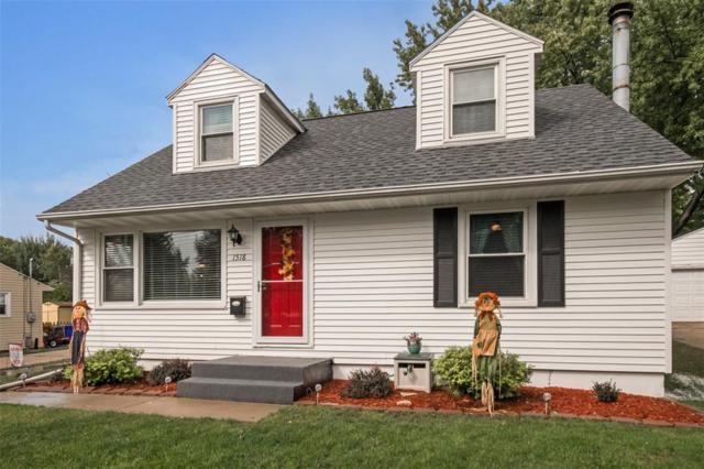 1518 10th Avenue SW, Cedar Rapids, IA 52404 (MLS #1806678) :: The Graf Home Selling Team
