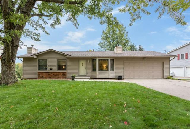 611 Pine Ridge Road, Coralville, IA 52241 (MLS #1807336) :: The Graf Home Selling Team