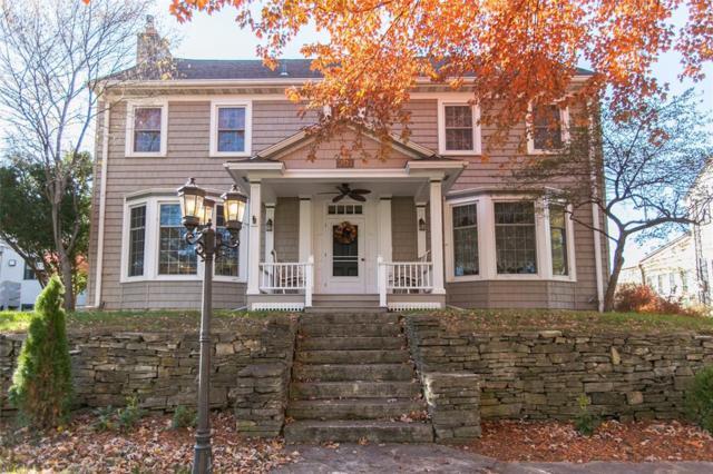 301 23rd St Drive SE, Cedar Rapids, IA 52403 (MLS #1807554) :: The Graf Home Selling Team