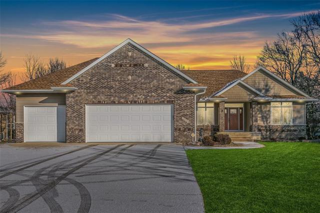 2814 Sunset Drive NE, Swisher, IA 52338 (MLS #1808273) :: The Graf Home Selling Team