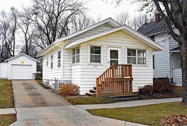1311 B Avenue NW, Cedar Rapids, IA 52405 (MLS #1808382) :: The Graf Home Selling Team