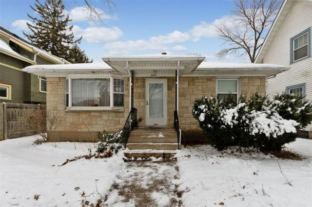 822 14th Street SE, Cedar Rapids, IA 52403 (MLS #1900432) :: The Graf Home Selling Team