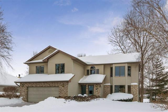2023 Cambridge Drive, Coralville, IA 52241 (MLS #1900767) :: The Graf Home Selling Team