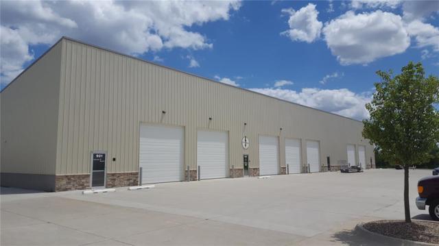 921 Metzger Drive, Hiawatha, IA 52233 (MLS #1900789) :: The Graf Home Selling Team