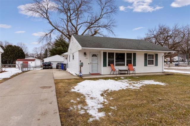 201 21st Street NW, Cedar Rapids, IA 52405 (MLS #1900851) :: The Graf Home Selling Team