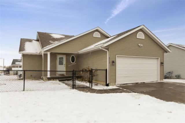 6520 Tennessee Court SW, Cedar Rapids, IA 52404 (MLS #1901007) :: The Graf Home Selling Team