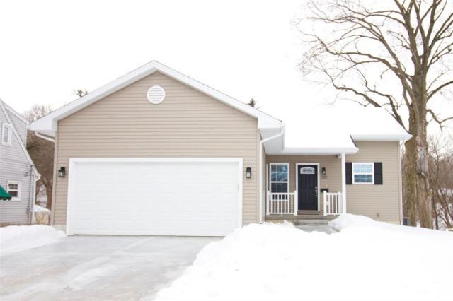 301 28th St Drive SE, Cedar Rapids, IA 52403 (MLS #1901092) :: The Graf Home Selling Team