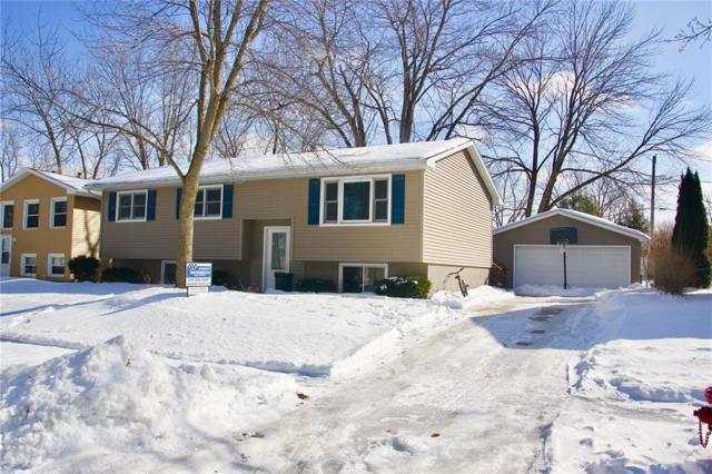 1215 Eisenhower Road, Hiawatha, IA 52233 (MLS #1901403) :: The Graf Home Selling Team