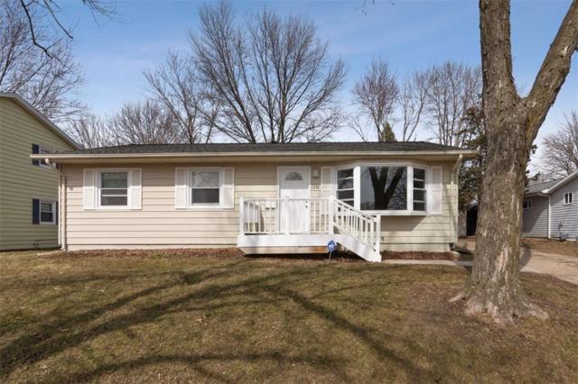 1236 Rainbow Boulevard, Hiawatha, IA 52233 (MLS #1901885) :: The Graf Home Selling Team