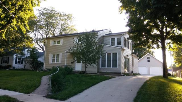 527 S Iowa Avenue, Washington, IA 52353 (MLS #1902798) :: The Graf Home Selling Team