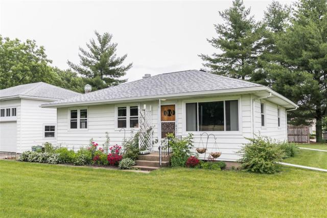 4124 Bowling Street SW, Cedar Rapids, IA 52404 (MLS #1904548) :: The Graf Home Selling Team