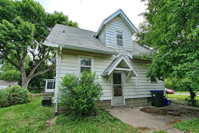 924 Friendly Avenue, Iowa City, IA 52240 (MLS #1904667) :: The Graf Home Selling Team
