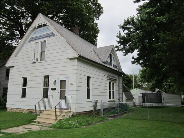 1225 3rd Street SW, Cedar Rapids, IA 52404 (MLS #1904672) :: The Graf Home Selling Team