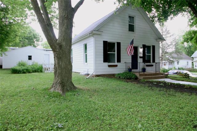 3101 C Avenue NW, Cedar Rapids, IA 52402 (MLS #1904682) :: The Graf Home Selling Team