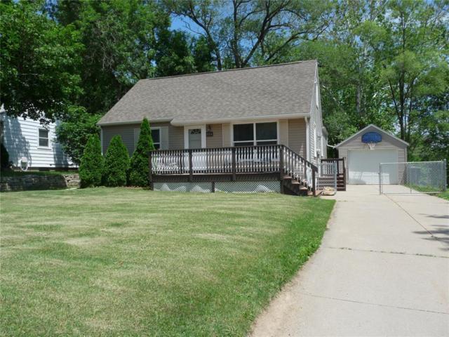 654 34th Street SE, Cedar Rapids, IA 52403 (MLS #1904790) :: The Graf Home Selling Team