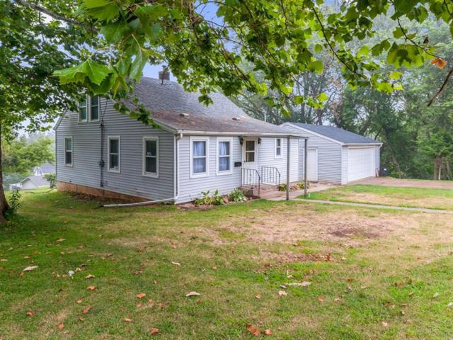 306 E 4th Street, Anamosa, IA 52205 (MLS #1905779) :: The Graf Home Selling Team