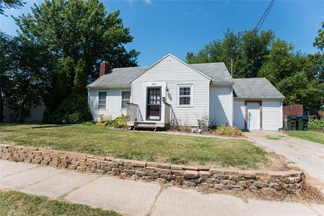 911 S Van Buren, Iowa City, IA 52240 (MLS #1905826) :: The Graf Home Selling Team