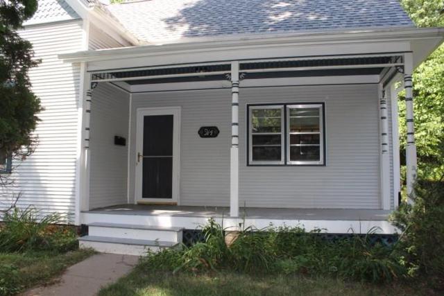 914 Fairchild Street, Iowa City, IA 52245 (MLS #1905988) :: The Graf Home Selling Team