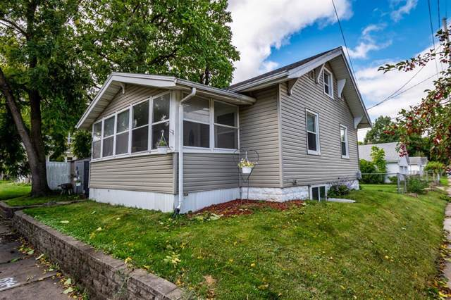 912 8th Street NW, Cedar Rapids, IA 52405 (MLS #1906828) :: The Graf Home Selling Team