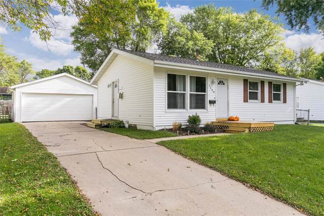 1140 West 8th Avenue, Marion, IA 52302 (MLS #1906873) :: The Graf Home Selling Team