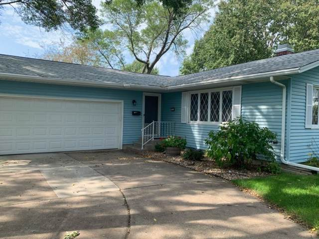 3030 23rd Avenue, Marion, IA 52302 (MLS #1907125) :: The Graf Home Selling Team