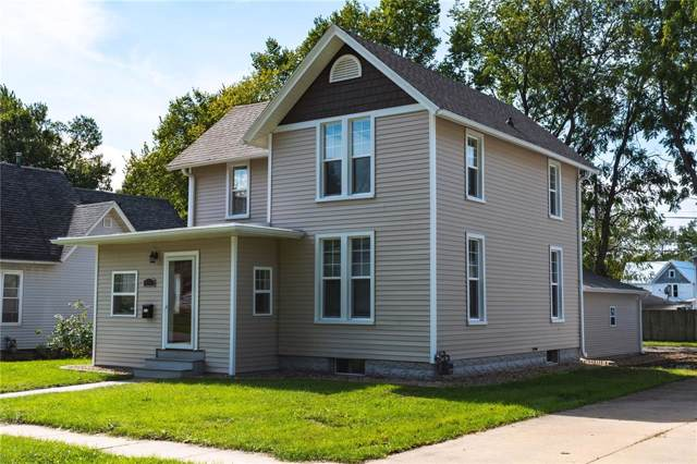 940 9th Street, Marion, IA 52302 (MLS #1907287) :: The Graf Home Selling Team