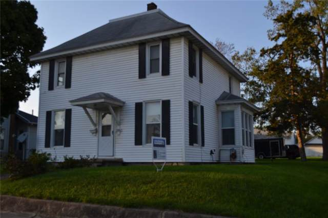 1586 5th Avenue, Marion, IA 52302 (MLS #1907295) :: The Graf Home Selling Team