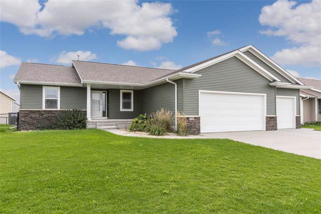 2745 50th Street, Marion, IA 52302 (MLS #1907349) :: The Graf Home Selling Team